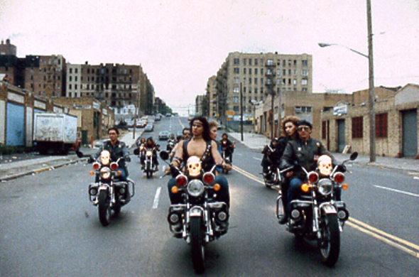 http://www.surffilm.com/wordpress/wp-content/uploads/2015/03/1990-Bronx-warriors-2.jpg