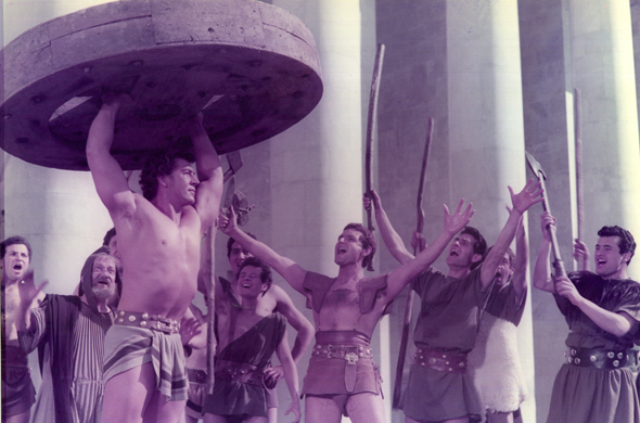 http://www.surffilm.com/wordpress/wp-content/uploads/2015/03/The-loves-of-hercules-Gli-amori-di-ercole.jpg